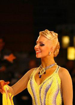Прически для танцоров спортивных бальных танцов.