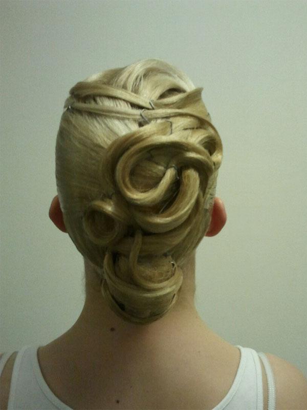 Прически для бальных танцев волосы бальные